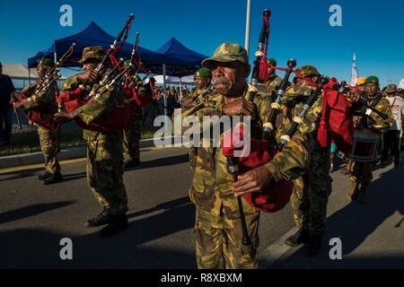 La Papouasie-Nouvelle-Guinée, Golfe de Papouasie, région District de la capitale nationale, Ville de Port Moresby, Paga Hill Festival, fanfare de cornemuse Photo Stock