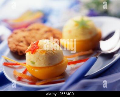 La crème glacée à l'abricot Photo Stock