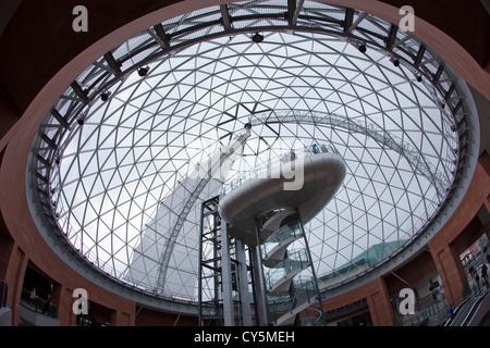 Le dôme de la Place Victoria à Belfast, en Irlande du Nord. Photo Stock