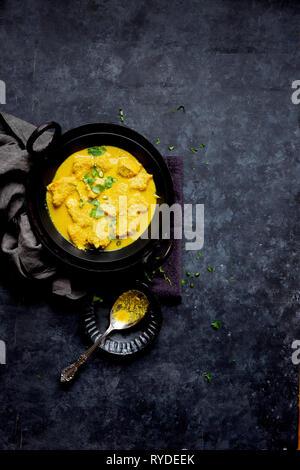 Curry de Poisson à la noix de coco et la moutarde Photo Stock