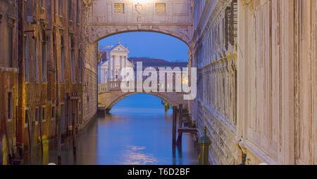 Pont des Soupirs, Venise, Vénétie, Italie, Europe. Photo Stock