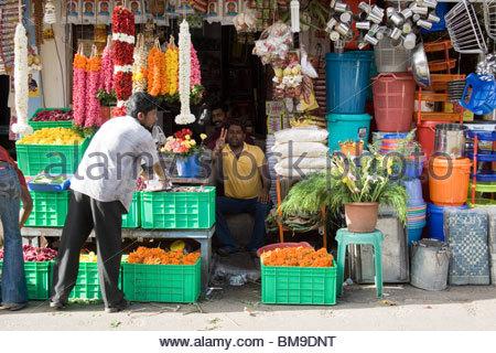 Un vendeur AU MARCHÉ CHALAI, TRIVANDRUM Photo Stock