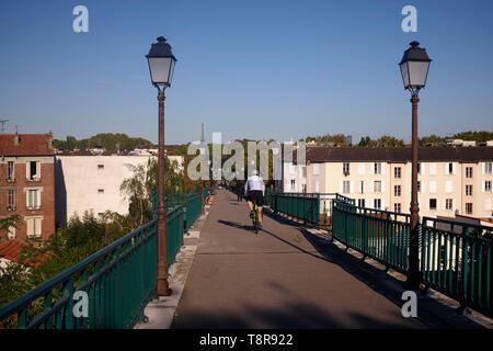 France, Hauts de Seine, Saint Cloud, vue de Paris à partir de l'Avre Passerelle Photo Stock