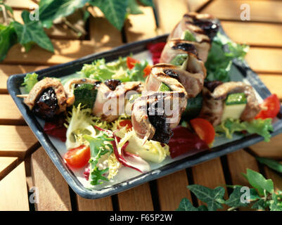 Canard aux pruneaux ( sujet: des brochettes) Photo Stock