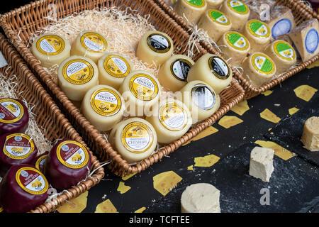 Le Cheshire Cheese Company, wc séparés. Et spécialité de fromage artisanal décroche à Chatsworth RHS Flower Show 2019. Chatsworth, Derbyshire, Royaume-Uni Photo Stock