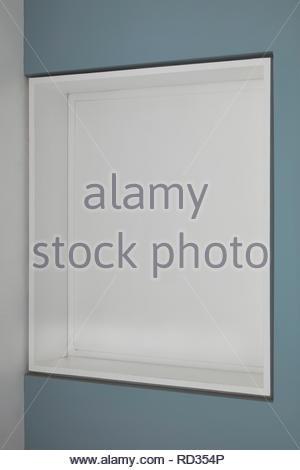 La fenêtre de la chambre fermée à la maison en contrebas. Maison engloutie - Windows, Londres, Royaume-Uni. Architecte: Adjaye Associates , 2019. Photo Stock