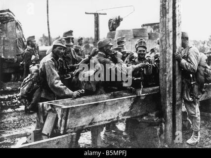 9 1915 0 0 A3 E Isonzo batailles soldats autrichiens 1915 1 Guerre mondiale front italien 1915 batailles Isonzo Photo Stock