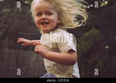 Enfant s'amusant Photo Stock