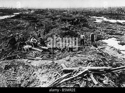 9 1917 8 0 A1 e champ de bataille à Paschendaele 1917 Première Guerre Mondiale 1914 18 Western Front Bataille Photo Stock