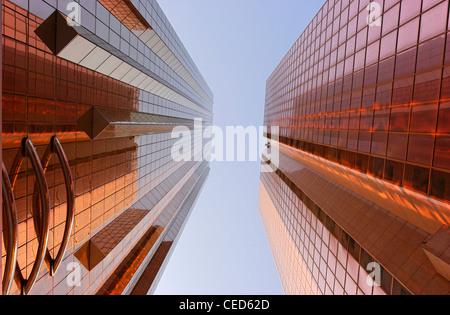 Les façades des tours de bureaux, architecture moderne, Sheikh Zayed Road, Al Satwa, Dubaï, Émirats Photo Stock