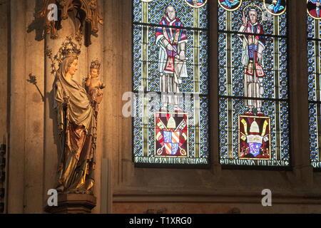 Beaux-arts, art religieux, Madonna statue dans la cathédrale de Cologne, l'artiste n'a pas d'auteur pour être effacé Photo Stock