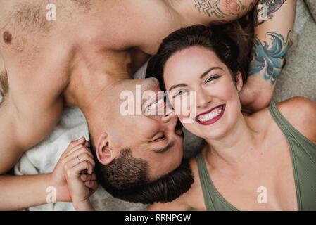 Portrait de dessus heureux, young couple Photo Stock