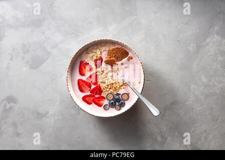 Régime alimentaire sain, le petit déjeuner, des céréales Photo Stock