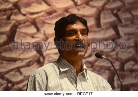 Popatrao Pawar, Sarpanch Hirve, Bazar, prend la parole lors du séminaire sur l'eau (Patatay Pani et la sécheresse cause) à Mumbai, Inde le 4 janvier 2012. (Dr Naik/ IMAGES SOLARIS) Photo Stock