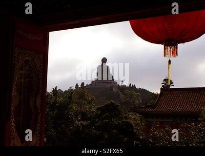 Le plus grand Bouddha . Combien étonnant est l'expérience de ce jour . Plein de couleurs et de choses à voir à l'île de Lantau, où le Grand Bouddha est situé à . Hong Kong a beaucoup de choses à voir . Photo Stock