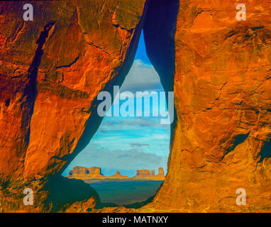 Teardrop Arch, Monument Valley Tribal Park, Utah/Arizona, réserve Navajo Photo Stock