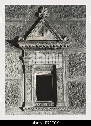 Latium Viterbo Viterbo S. Maria Nuova, c'est mon l'Italie, l'Italie Pays de l'histoire visuelle, de l'extérieur et une vue sur l'intérieur de la nef et l'autel dans la collection médiévale Photo Stock