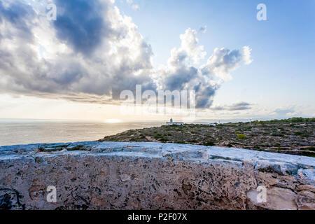 La vieille tour du Cap Blanc 'Torre vigia de Cap Blanc', Majorque, Îles Baléares, Espagne Photo Stock