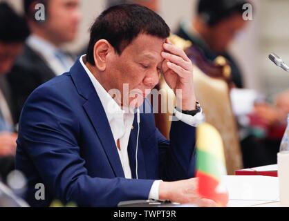 Le président de la République des Philippines, Rodrigo Duterte Roa assiste à une 34e Sommet de l'ASEAN (Plénière) à Bangkok. Le sommet de l'ASEAN est une réunion semestrielle tenue par les membres de l'Association des nations de l'Asie du Sud-Est (ANASE) dans les domaines économique, politique, de la sécurité, et socio-culturel des pays d'Asie. Photo Stock