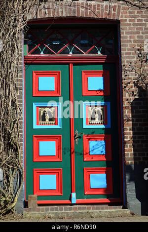 Dans estebrugge porte avant traditionnelle dans le vieux pays Photo Stock