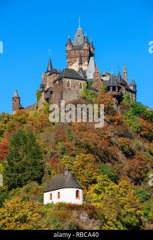 Château Reichsburg Cochem, vallée de la Moselle, Rhénanie-Palatinat, Allemagne Photo Stock