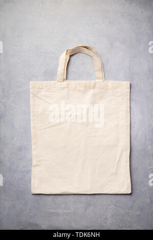 Zéro déchets, recyclage, concept de vie durable. Eco-friendly sac de coton, télévision lay Photo Stock