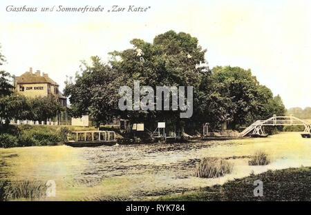 Hôtels en Saxe-Anhalt, pont flottant en Allemagne, à Bad Kösen, Bâtiments Saale, 1919, la Saxe-Anhalt, Bad Kösen, Hotel zur Katze Photo Stock