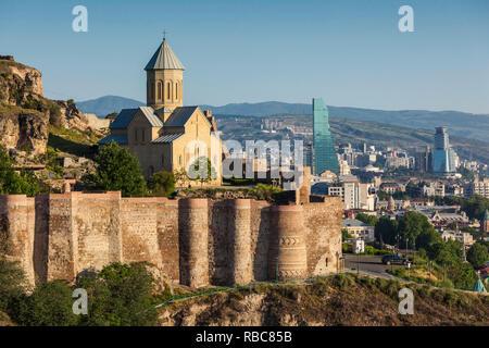 La Géorgie, Tbilissi, Vieille Ville, la forteresse de Narikala, l'église Saint-Nicolas Photo Stock