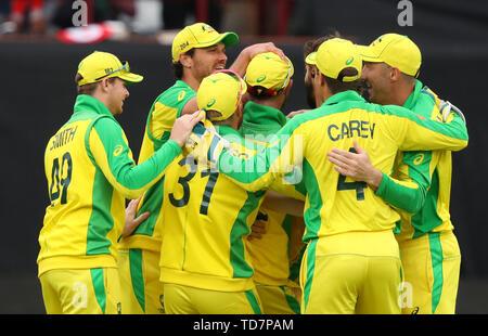 Taunton, Royaume-Uni. 12 Juin, 2019. Célébrer la victoire de l'Australie comme Glenn Maxwell de l'Australie s'épuise Sarfraz Ahmed du Pakistan au cours de l'Australie v du Pakistan, de l'ICC Cricket World Cup Match. au sol, comté de Taunton. Credit: Cal Sport Media/Alamy Live News Photo Stock