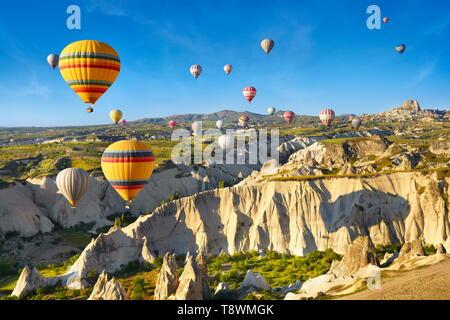 La Cappadoce - Turquie, vue depuis le ballon autour de Nevsehir, volant au-dessus de la Cappadoce en montgolfière, l'UNESCO Photo Stock
