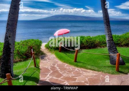 Chemin de plage avec parasol. Mauai, New York Photo Stock