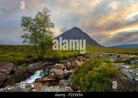 Coucher du soleil, de la rivière de l'Europe, Glen Etive, Stob Dearg, Highlands, Scotland Photo Stock