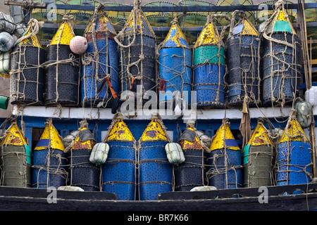 Il Vietnam, Vung Tau, barca da pesca bouys Immagini Stock