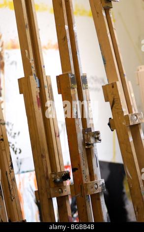 Fotografia di artista pittore cavalletto educazione scuola lezione tecnica Immagini Stock