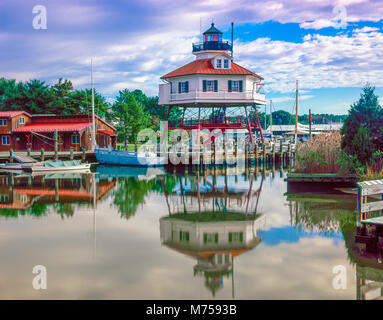Punto di tamburo Liighthouse, Calvert, Maryland, Chesapeake Bay, costruito nel 1883 Immagini Stock