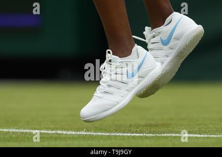 Londra, Regno Unito. Il 19 maggio 2019. Wimbledon Tennis Giocatori Day; vista di dettaglio dei pattini usurati da Venus Williams (USA) Credit: Azione Plus immagini di sport/Alamy Live News Immagini Stock
