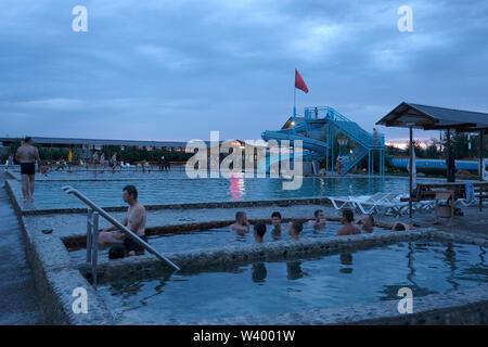 Le piscine di sorgente termale Geduko (Kishpek) nella Repubblica Kabardino-Balkariya nel Nord Caucaso Distretto federale della Russia. Immagini Stock