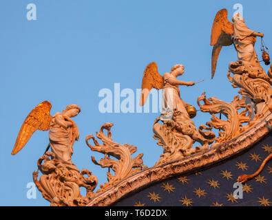 Dettagli ornati sulla Basilica di San Marco, Piazza San Marco, Venezia, Veneto, Italia. Immagini Stock