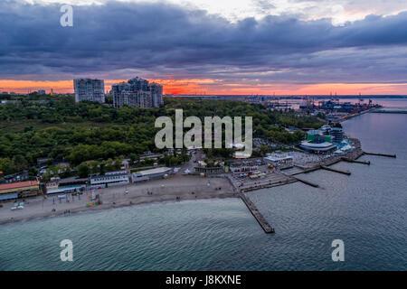 Antenna fuco immagine di langeron beach e parco shevchenka in Odessa Ucraina Immagini Stock