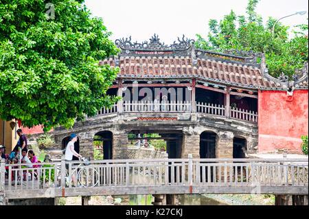 Ponte coperto giapponese, antica città di Hoi An, Vietnam. Questo ponte è stato costruito dai giapponesi nei primi 1600s. Immagini Stock