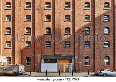 Entrata posteriore del magazzino di Londra. Magazzino di Londra, Manchester, Regno Unito. Architetto: Archer Humphreys architetti, 2018. Immagini Stock