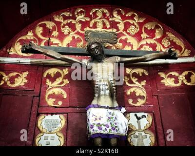 Un Cristo nero visualizzati nella chiesa di Ticul, Yucatan, Messico Immagini Stock