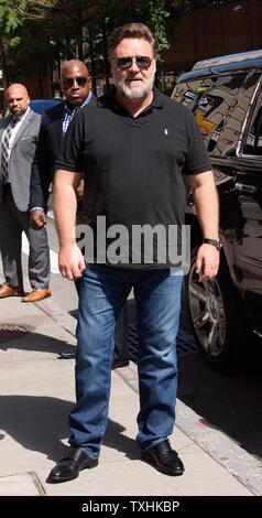 New York, NY, STATI UNITI D'AMERICA. Il 24 giugno 2019. Russell Crowe fuori e circa per celebrità Candids - MON, New York, NY Giugno 24, 2019. Credito: RCF/Everett raccolta/Alamy Live News Immagini Stock