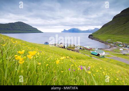 Villaggio di Elduvik, Eysturoy Isola, Isole Faerøer, Danimarca, Europa Immagini Stock