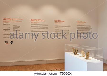 Medaglie da Shimmel e Madden. London Design Biennale 2018, Londra, Regno Unito. Architetto: Vari , 2019. Immagini Stock