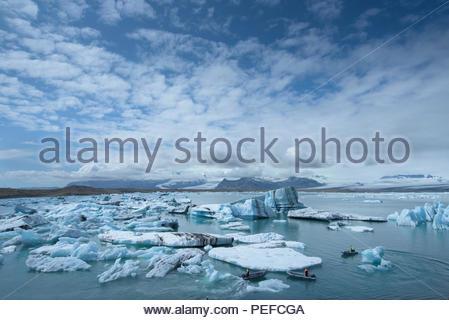 Il ghiaccio dal Vatnajokull, Islanda il più grande ghiacciaio, copertura 8 per cento dell'isola. Immagini Stock