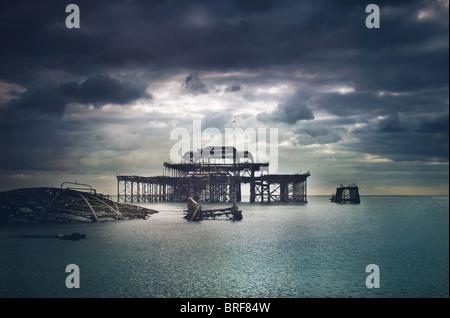 Il vecchio molo di Brighton, Regno Unito Immagini Stock