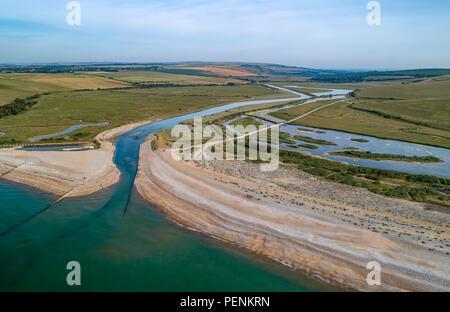 Drone foto Cuckmere sulla spiaggia con sette sorelle Country Park in background Immagini Stock