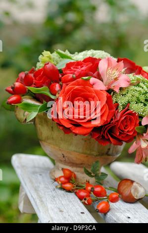 Mazzo di fiori all'aperto Immagini Stock