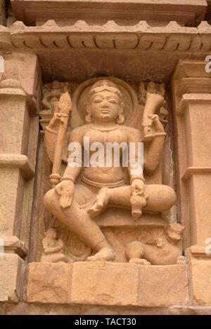 Dea scultura Lakshmana Temple, Khajuraho, Madhya Pradesh, India, Asia Immagini Stock